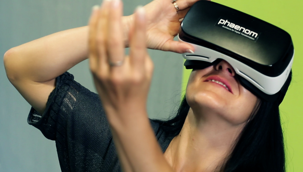 Onlineshopping mit Virtual Reality-Set