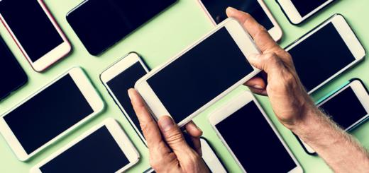 Haben die Smartphone Hersteller den Kontakt zur Realität verloren? – @envato | Rawpixel