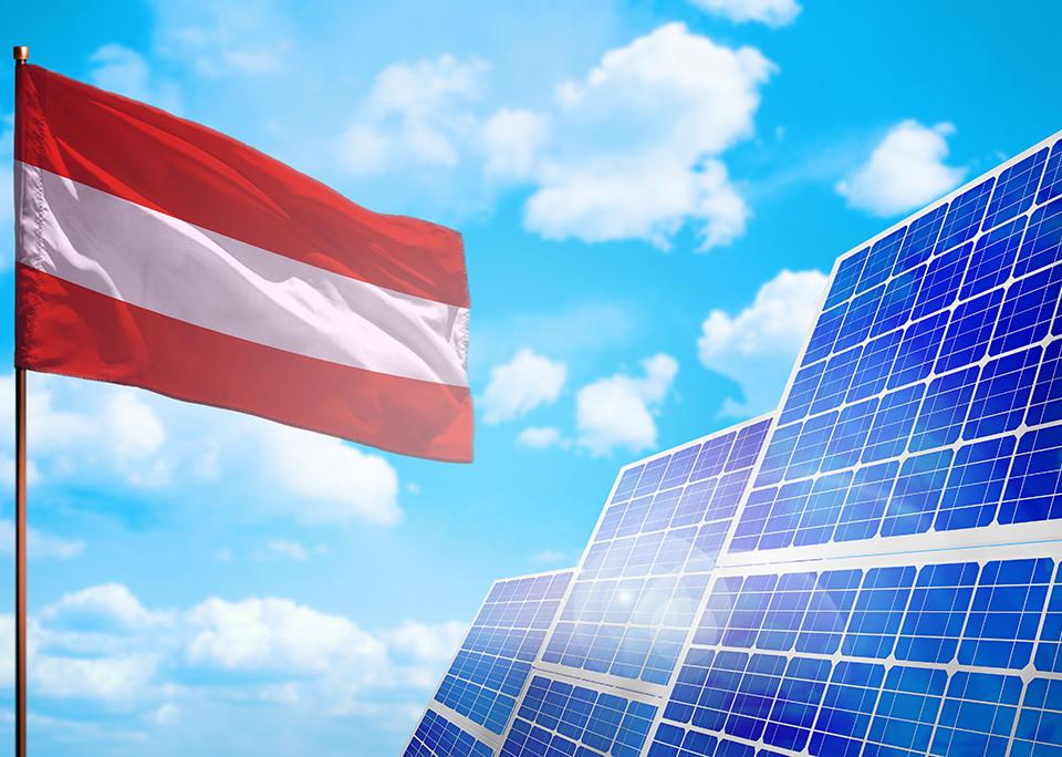 Österreich plant: 100% bis 2030 aus erneuerbaren Energien - @shutterstock | Anton_Medvedev