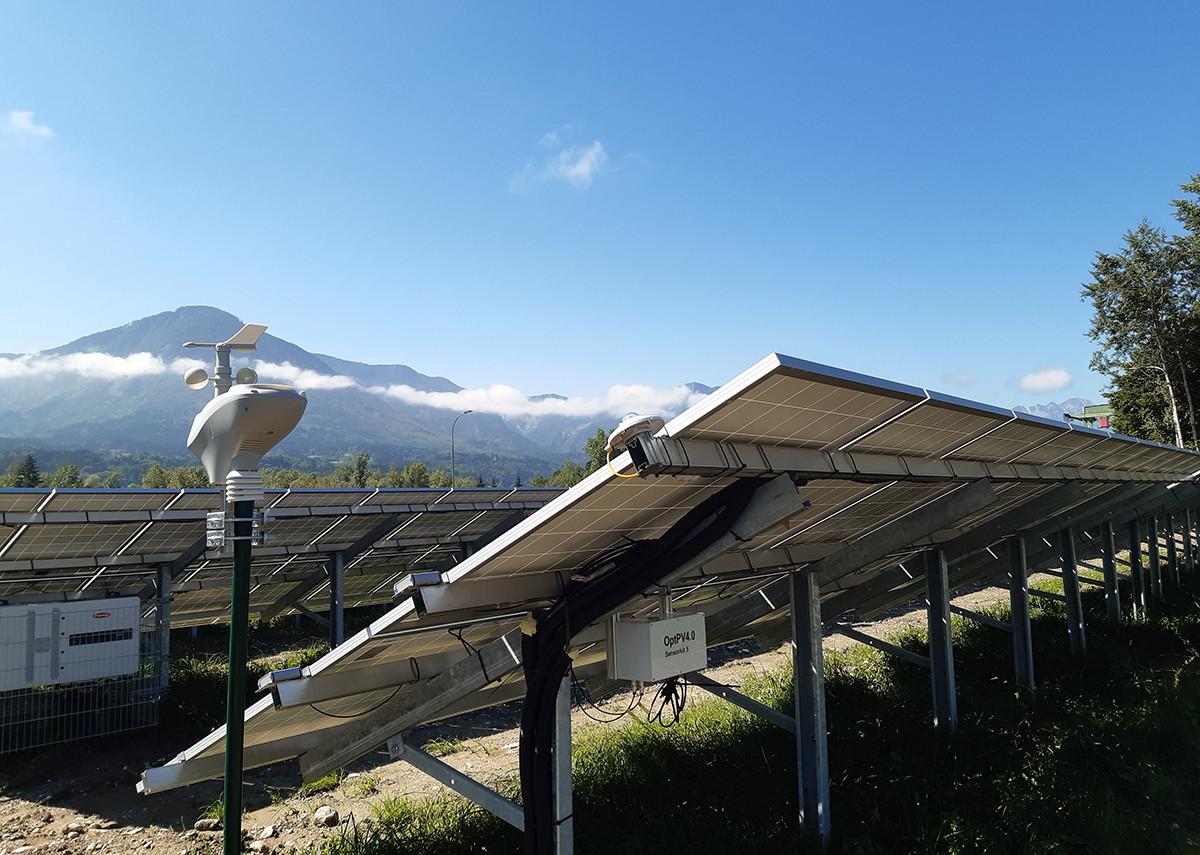 Früherkennung von Fehlern bei Photovoltaikanlagen. PV-Anlage mit Wetterstation und Sensorik-Upgrade-Kit - Bild: Silicon Austria Labs