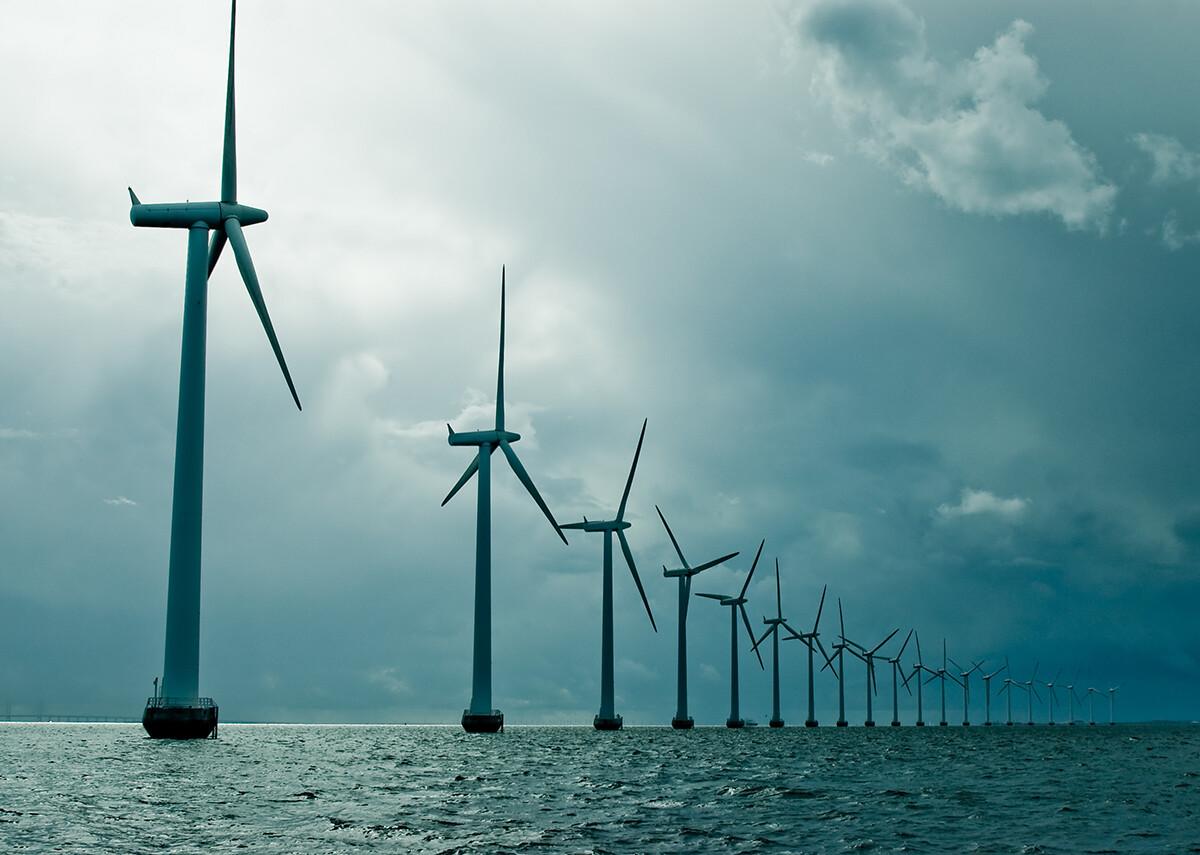Verdopplung der Offshore-Windenergie bis 2025 - Bild: Eugene Suslo|Shutterstock.com
