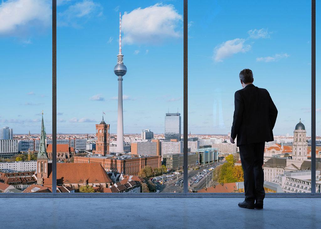Solarpflicht in Berlin ab 2023 - Bild: Robert Kneschke Shutterstock.com