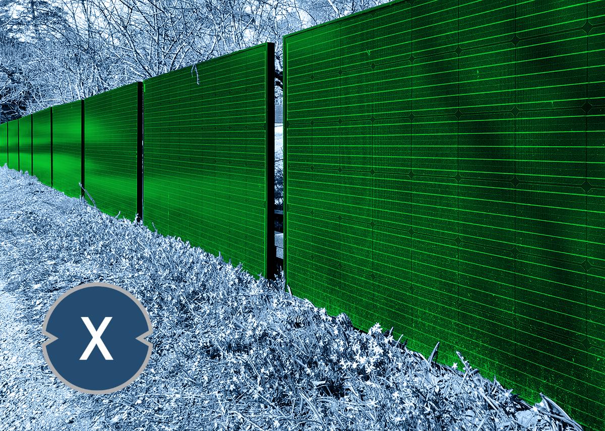 Solarzaun als Lärmschutzwand und Sichtschutz mit Solarstrom Option - Bild: Xpert.Digital & Rikard Stadler