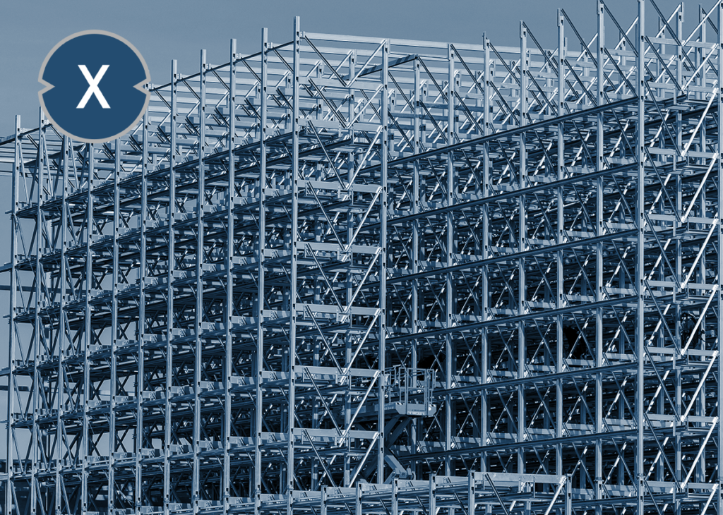 Stahlkonstruktion eines Hochregallagers - Bild: Xpert.Digital - Lisa-S|Shutterstock.com