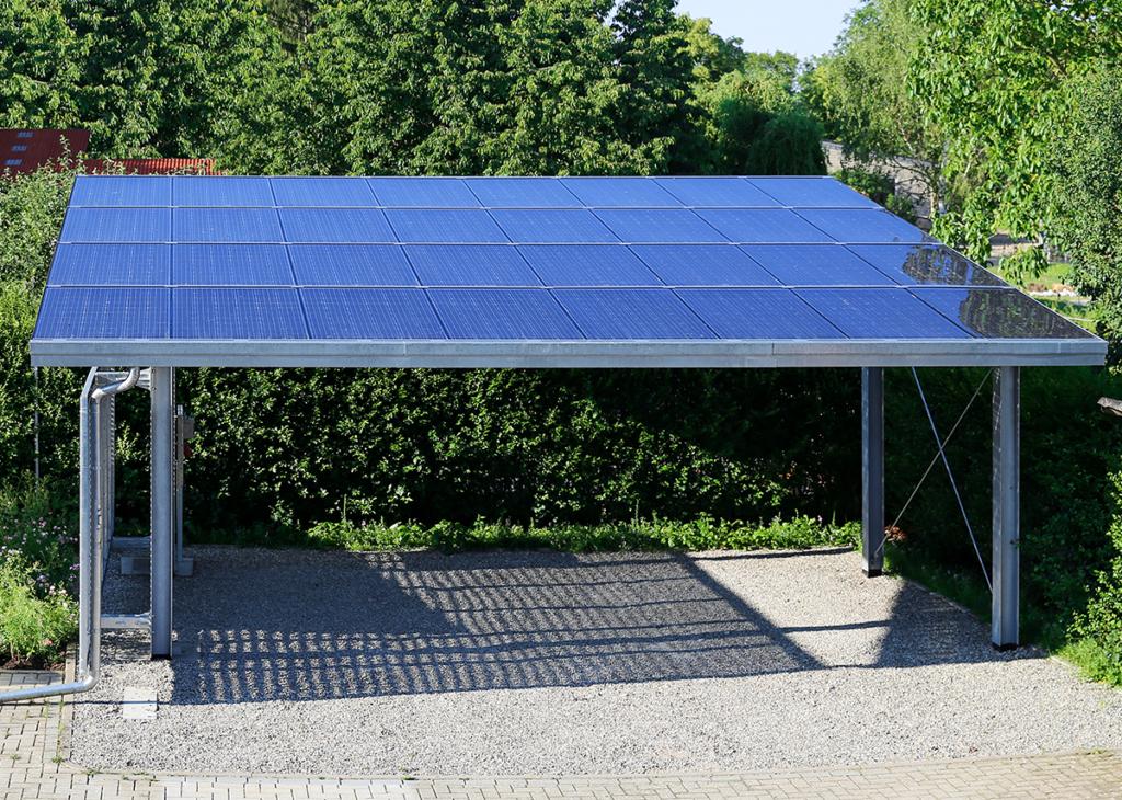 Solarcarport mit transparenten Glas-Solarmodule